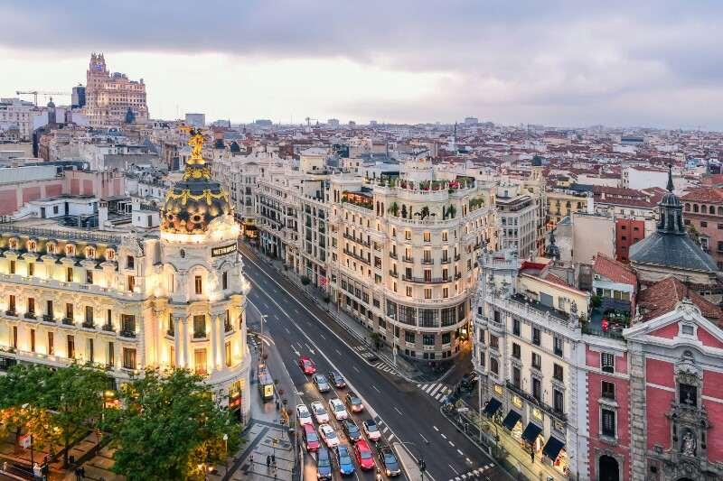 Ворота Европы в Мадриде - история фото описание карта