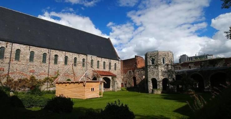 Руины аббатства Святого Бавона