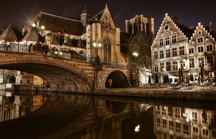 Ночь, канал, мост...Брюгге