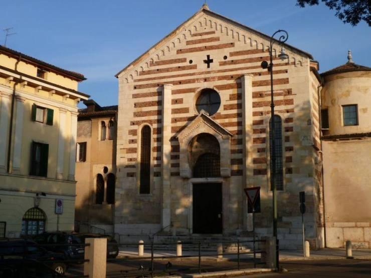 Церковь Санто Стефано
