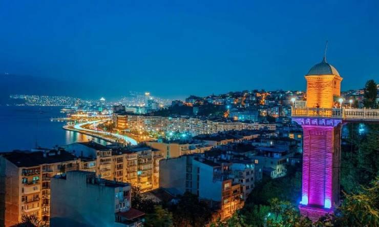 Ночной Измир
