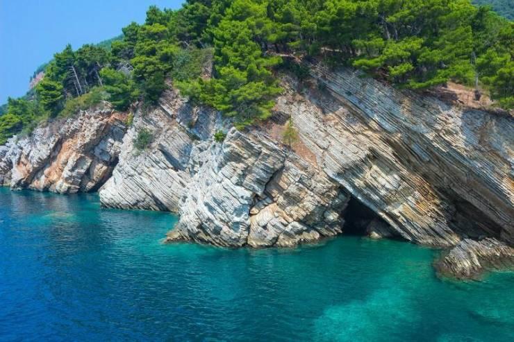 Море в окрестностях курорта Петровац