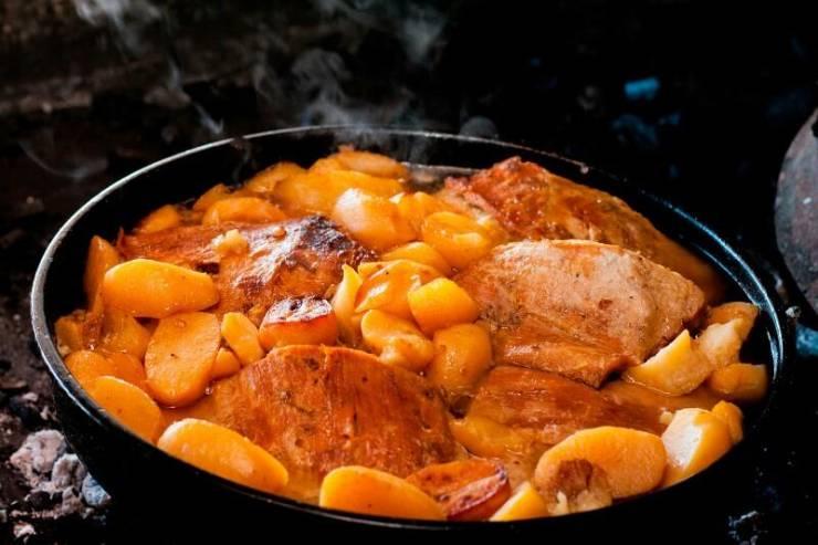 Ispod sača - традиционное блюдо черногорской кухни
