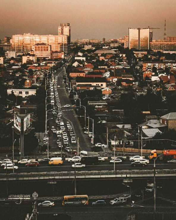 Улицы Краснодара. Фото - @urbanblacck